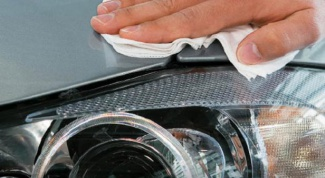 How to Polish plastic headlight