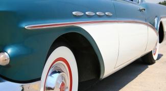 Как устранить царапину на кузове