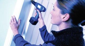 Как установить комнатную дверь