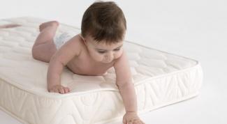 Как выбрать матрас в кроватку