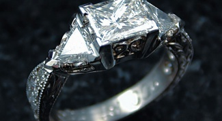 How to identify a real diamond