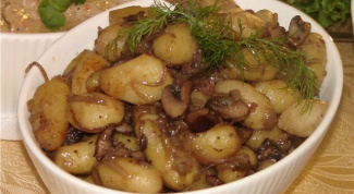 Как потушить грибы с картошкой