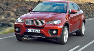 Как снять аккумулятор на BMW