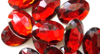 How to distinguish a ruby from a fake