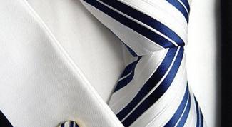 Как завязывать галстук-платок