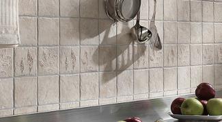 Как выложить плиткой фартук на кухне