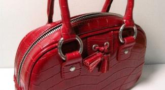 Как украсить старую сумку