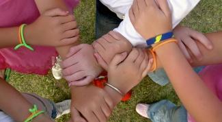 Как отдать вещи в детский дом