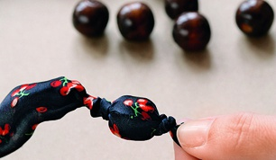 How to tie a knot in beads