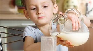 How to teach a child to milk