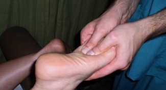 How to treat foot pain
