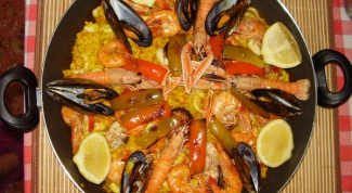 How to cook seafood paella