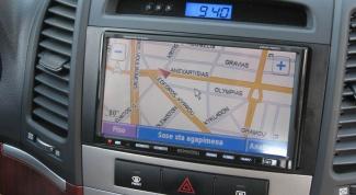 Как установить автомобильный навигатор