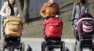 Как выбрать коляску для малыша