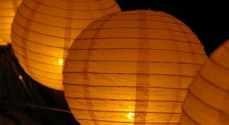 Как запустить небесный фонарик