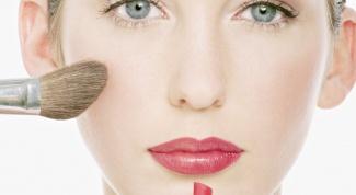 Как окрасить брови