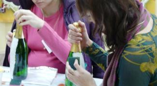 Как украсить бутылки шампанского к свадьбе