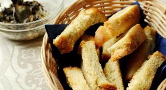 Как приготовить домашние сухарики