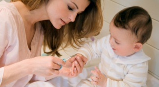 How to treat nails of the child