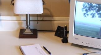 Как убрать на рабочем столе надпись о Windows