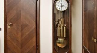 Как заделать дырку в двери