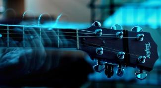 Как играть на аккустической гитаре