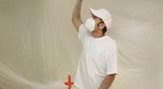 Как удалить клей с потолка