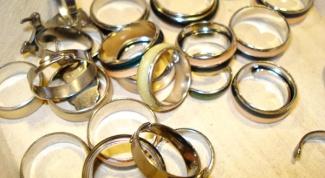 Как носить золотые кольца
