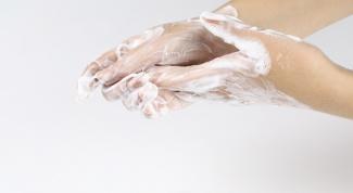 Как очистить руки от монтажной пены