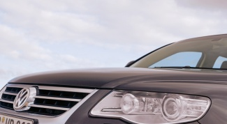 How to remove headlight for Touareg