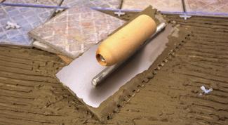 Как постелить плитку на пол