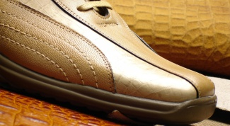 Как почистить светлую обувь