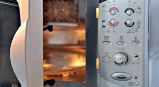 Как удалить запах из микроволновки