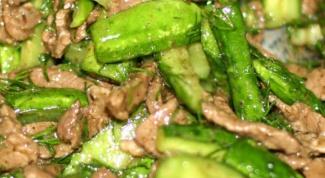 Как готовить салат из свежих огурцов с куриным мясом
