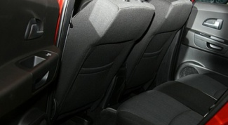 How to remove the seat upholstery