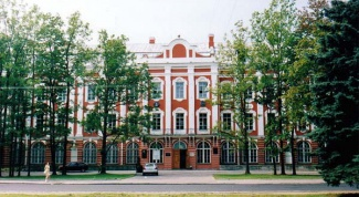 How to go to College in St. Petersburg