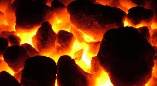 Как произвести древесный уголь