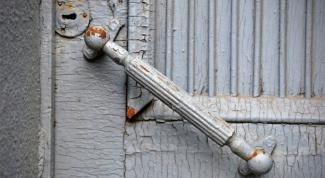 Как очистить дверь от краски