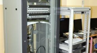 Как сделать, чтобы сервер все время работал