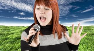 Как научиться петь в караоке