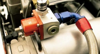 How to check the pressure in the fuel system