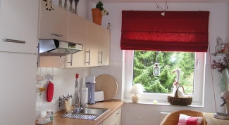 Как украсить окно в кухне