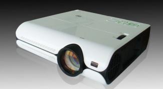 Как выбрать мультимедийный проектор