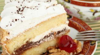 How to bake a lush cake