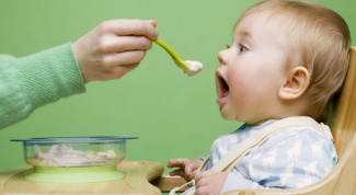 How to introduce baby foods at 4 months