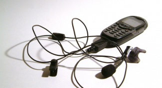How to listen to radio on a mobile phone