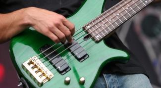 Как играть гитарные рифы