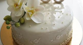 Как украсить юбилейный торт