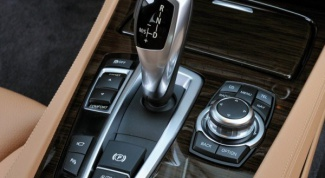 How to start car with automatic transmission