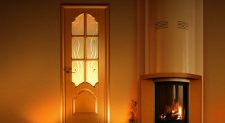 Как вставить стекло в дверь